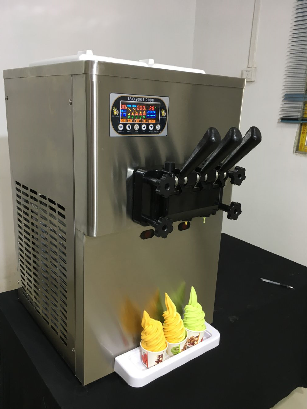 New 3 flavor table top 20-25L soft serve ice cream machine factory for sale